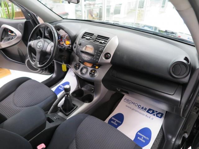 Toyota RAV 4 2.2 D-4D 177 CV Sol