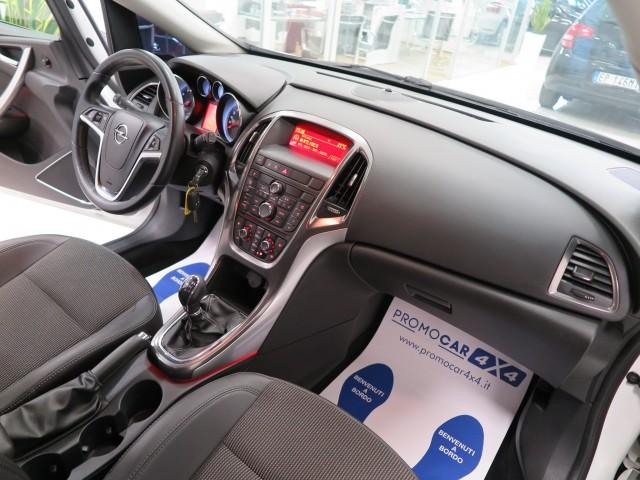 Opel Astra 1.4 Turbo 140CV Sports Tourer GPL