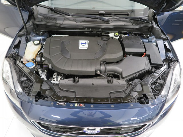 Volvo V40 D3 Geartronic Momentum