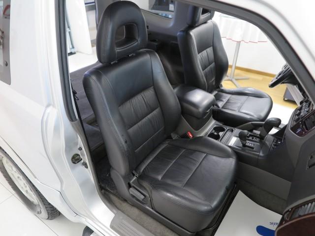 Mitsubishi Pajero 3.2 16V DI-D 3p. GLS Cambio A/T Autocarro 2P